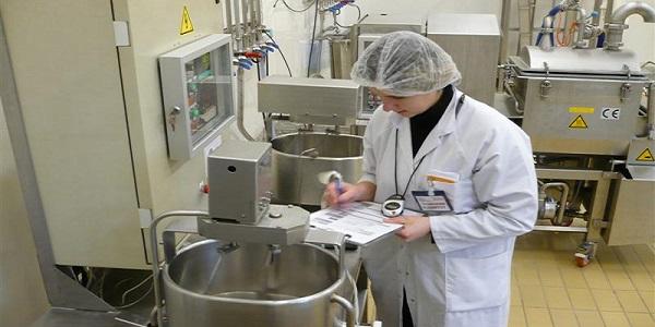 للحاصلين على شهادة البكالوريا العلمية أو تلاميذ الباك الراغبين العمل في مجال مراقبة الجودة والسلامة الغذائية نقدم لكم الشروط والمستلزمات