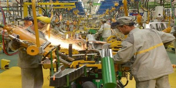 رونو توظف ألف عامل جديد بطنجة لبلوغ قدرة الإنتاج القصوى