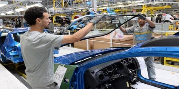 شركة 'پُوجو ستروين' تشرع في تلقي طلبات توظيف ألاف المغاربة بمصنعها المتواجد بالقنيطرة