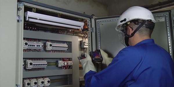 توظيف 23 تقني متخصص في الإلكتروميكانيك و تقني في الكهرباء الصناعية بأجر 3500DH بمدينة الجديدة
