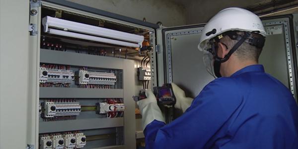توظيف 128 تقني متخصص في الإلكتروميكانيك و تقني في الكهرباء الصناعية بأجر 5000 درهم