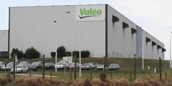 """بشرى للعاطلين .. شركة """"Valeo """" تطلق حملة توظيف للشباب حاملي الشواهد باك+2 فما فوق"""